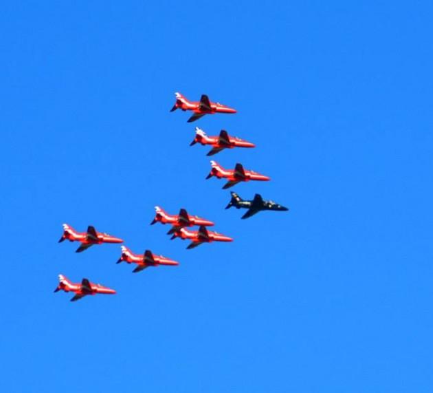 Στον Ηλειακό ουρανό τα Red Arrows.