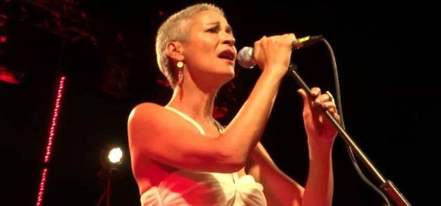 H Mελίνα Κανά μας συστήνει την καινούργια μουσική της στον Ιανό